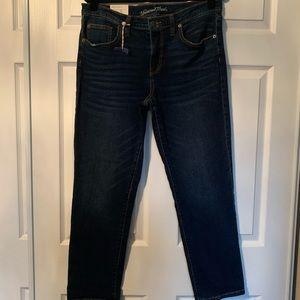 NWT universal thread girlfriend crop jeans